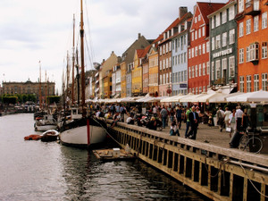 Nyhavn_with_water