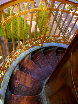Bspiral_stairs